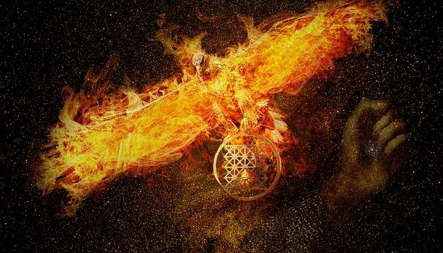 燃え盛る炎をまとい、大きな翼を広げる不死鳥